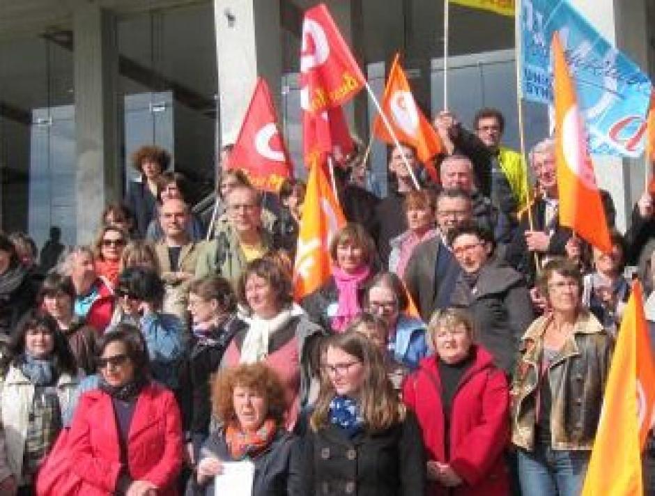Bibliothèques à Brest et prévention spécialisée dans le Finistère victimes de l'austérité.